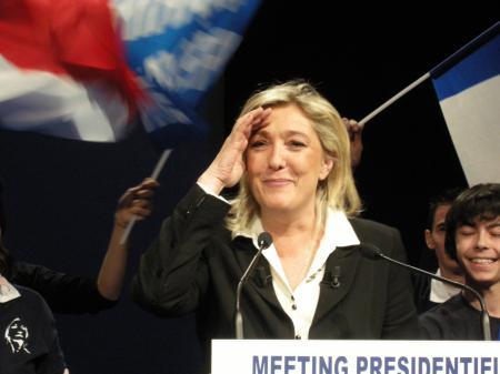 PRESIDENTIELLES 2012 : 1ER MEETING POUR MARINE LE PEN A METZ !